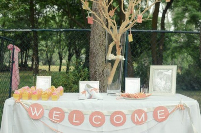 Der Wunschbaum ist eine kreative Art des Gästebuchs – Foto: stylemepretty.com