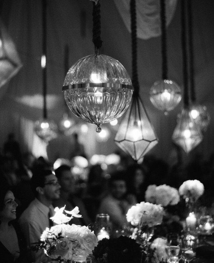 Iluminación con figuras geométricas en tu boda - Foto Elizabeth Messina