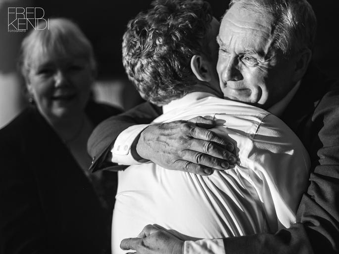 Momento de emoção em casamento - Foto: Fred Kendi