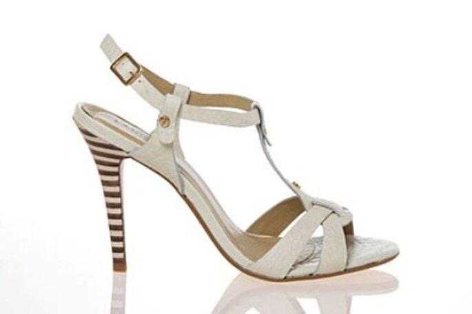 c8b0aa2b7 guardar Comprar Sapatos de Noiva Online - modelo da Landior