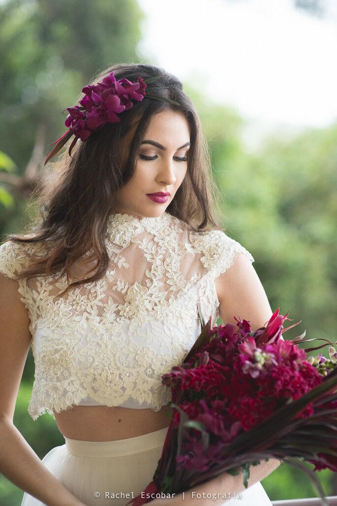 Lindo vestido com renda pra noivas