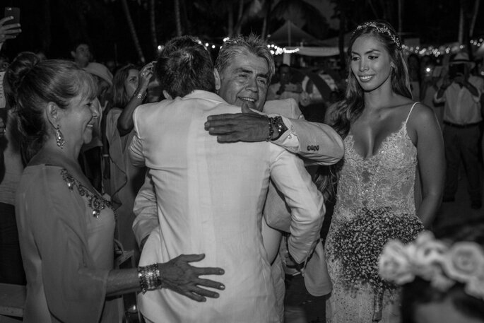 La boda de Cami y José: ¡Donde la playa, brisa y el mar fueron testigo de esta unión!