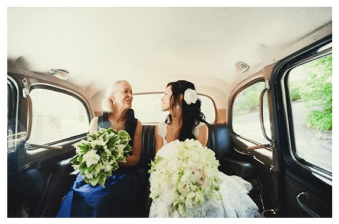 Las fotos obligadas de la novia con su mamá - Foto Tinywater Photography