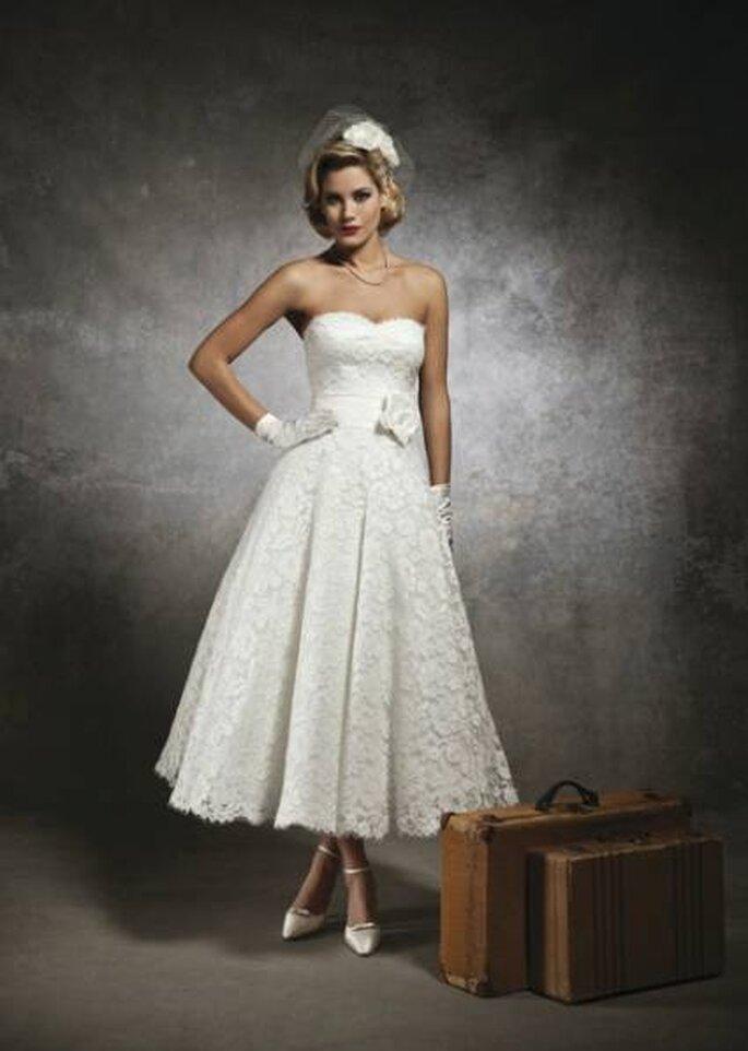 Vestido a media pierna de inspiración vintage. Foto: www.justinalexanderbridal.com