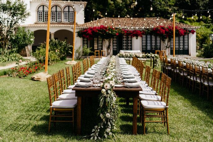 Mesa do banquete decorada por Fashion Moments