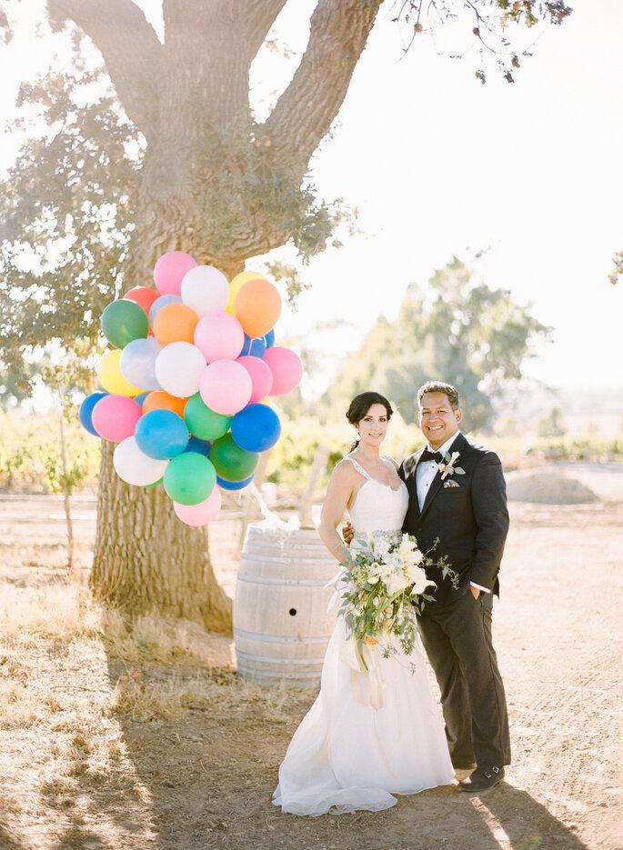 Globos para decorar tu boda - Rebecca Yale Portraits
