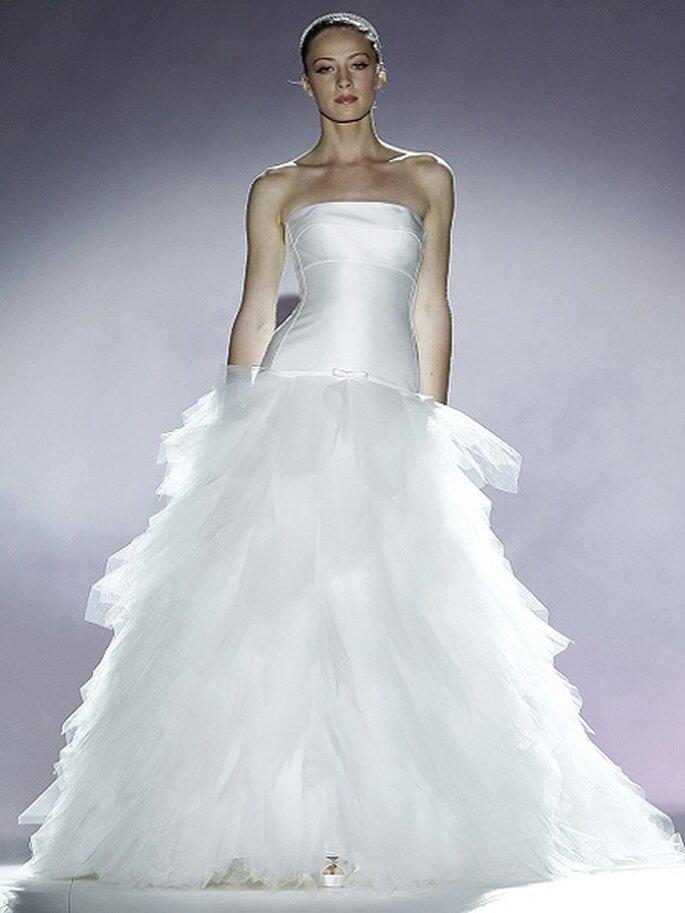 Brautkleider mit viel Tüll aus den Kollektionen von 2013  Foto Ugo Camera Kollektion Rosa Clara