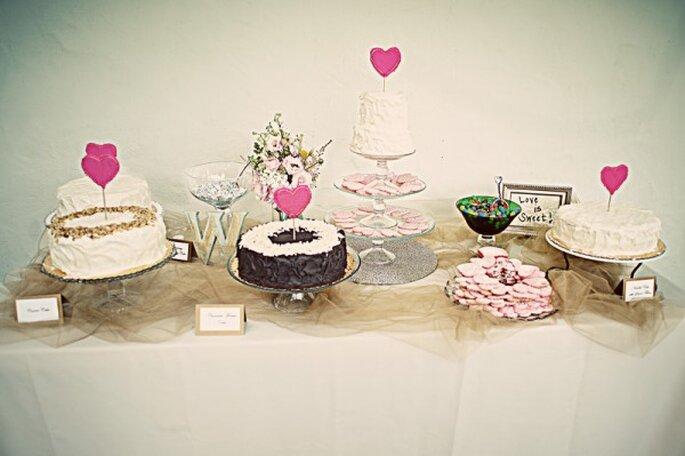 Una boda inspirada en San Valentín con muchos corazones - Foto Emily Heizer Photography