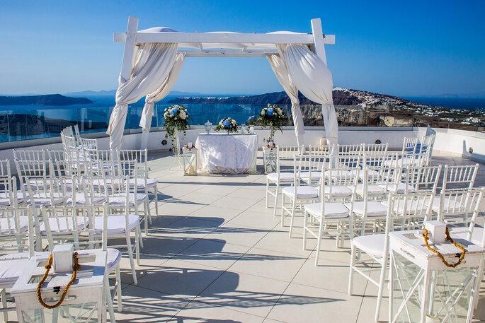 Casamento em Santorini e Divine Weddings