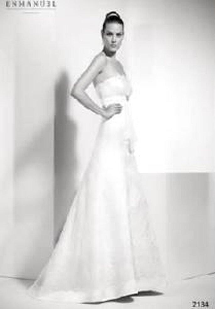 Enmanel Couture 2009 - Vestido de raso con organza bordada y adorno bajo pecho