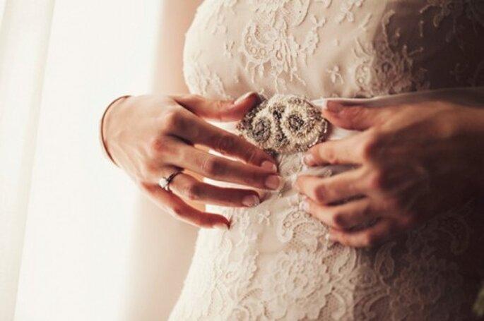 Consejos para comprar un vestido de novia - Foto Attitude Fotografia