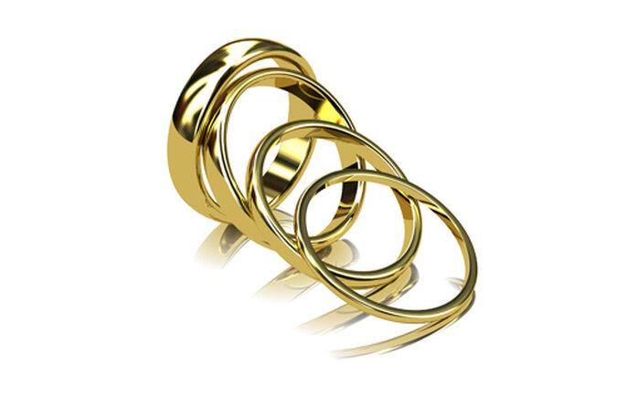 Alianzas de boda de diversos tamaños, de Diamantísimo