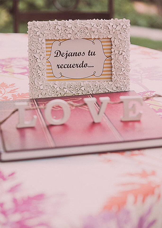 Cada detalle de esta boda de inspiración americana se cuidó al máximo, incluído el Libro de Firmas. Foto: Adrián Tomadín
