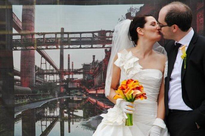 Portraitfotos auf dem Zechengelände - fotografiert von der Hochzeitsfotografin Corinna Vatter aus Duisburg