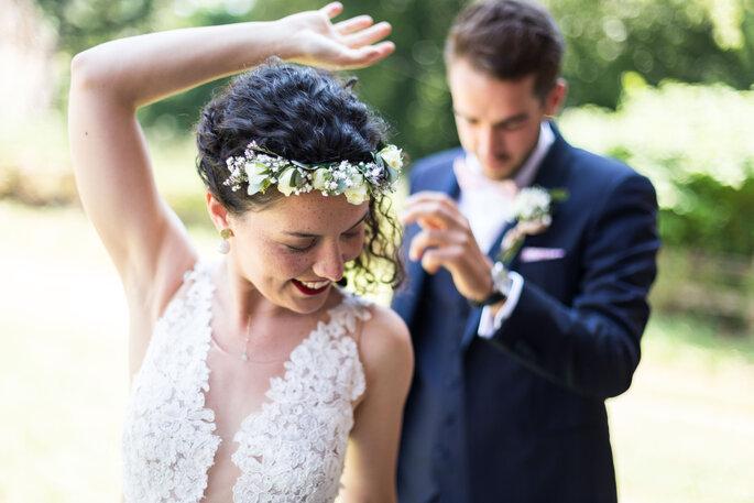 Photo originale de deux mariés en train de danser