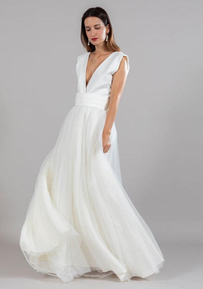 Robe de mariée simple avec un décolleté