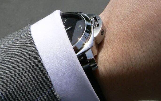 El reloj obsequiado por la novia, es un clásico infaltable.