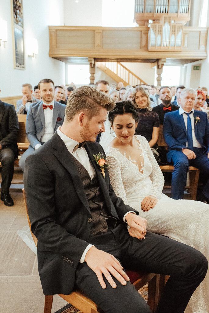 Das Brautpaar kurz vor dem Ja-Wort. Foto: Helen von Saurma Photography