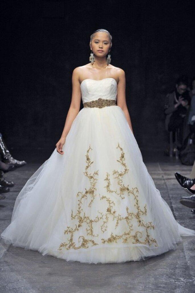 románticos vestidos de novia corte princesa lazaro otoño 2013