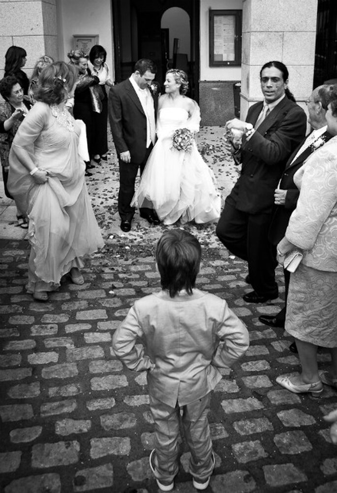 La salida de los novios tras la ceremonia- Foto: Valentín Gámiz