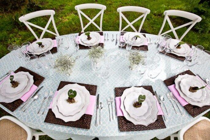 Mesa ovalada para el montaje de tu boda - Foto Elizabeth Anne Designs