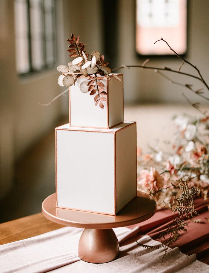 Eckige Hochzeitstorte modern