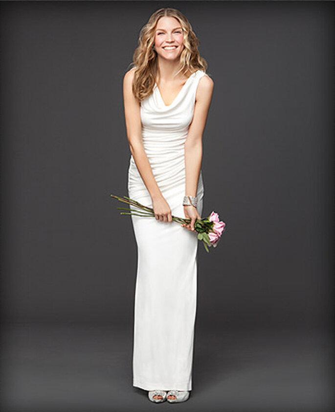Vestido largo para dama de boda en color blanco - Foto: Colección Rami Kashou para Bebe