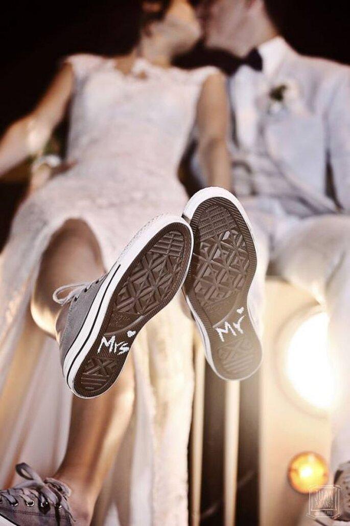 Estilo de novia con zapatos originales