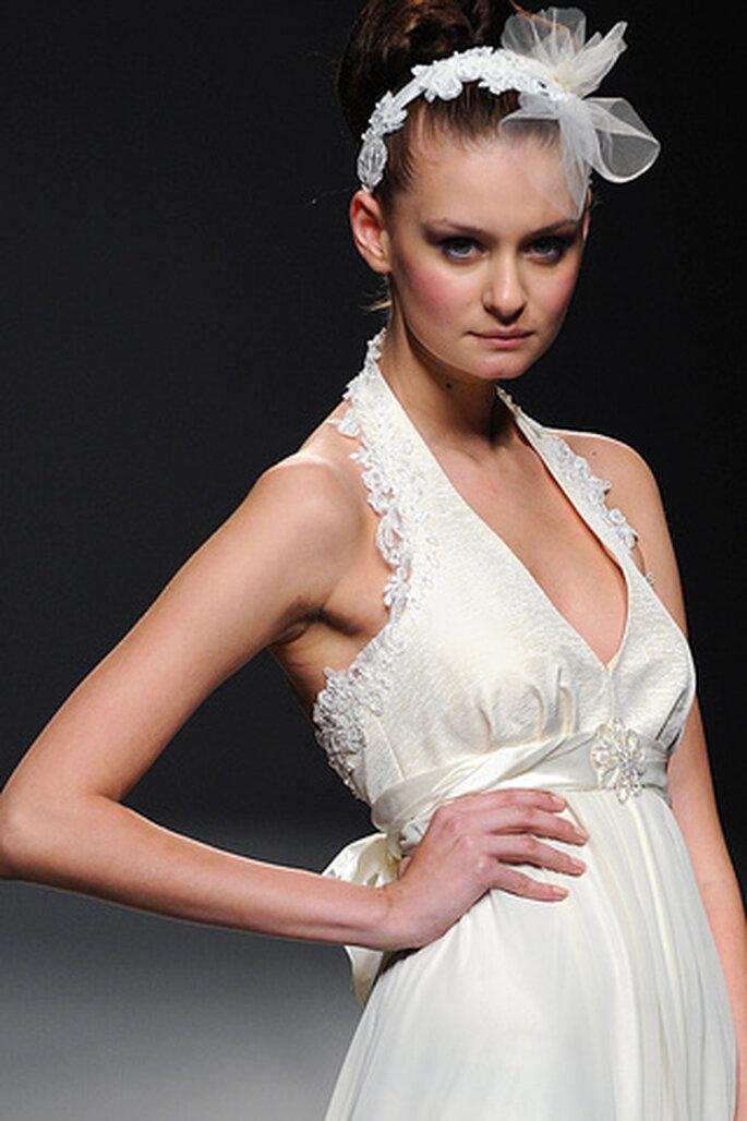 La novia de Ruben Perlotti 2012 es una diosa de la Antigua Grecia - Tomy Pelluz - Vogue