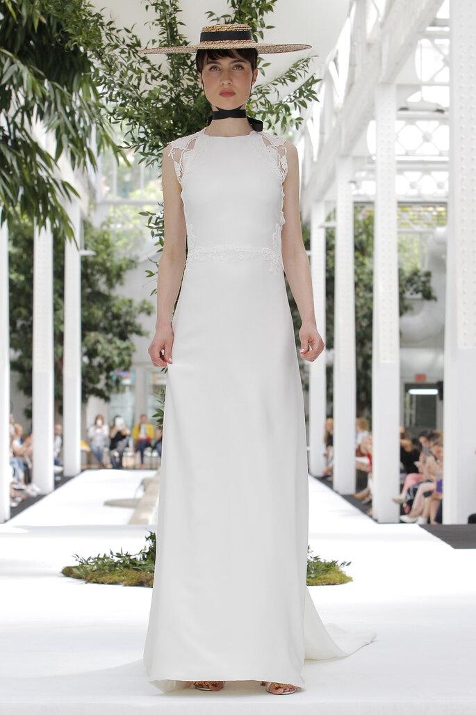 Vestido de novia corte recto sin mangas y cuello redondo