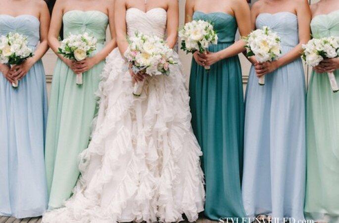 Hermosos vestidos de un mismo estilo y tonos diferentes - Foto Style Unveiled