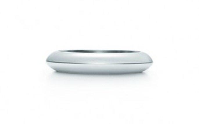 Anillo en platino. 4 mm de ancho.