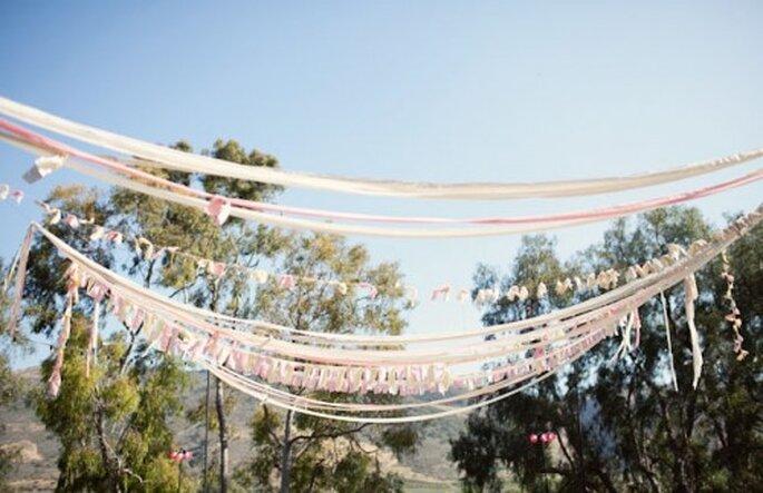 Zaubern Sie mit ein wenig Deko viel Stimmung – Foto: ashleyrose wedding