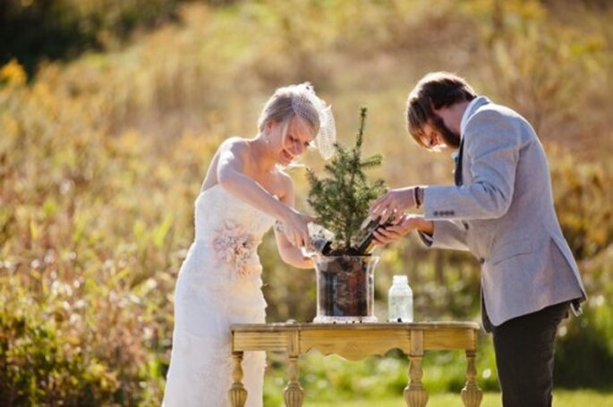 árbolitos para tu centro de mesa de boda. Foto Marvelous Things Photography