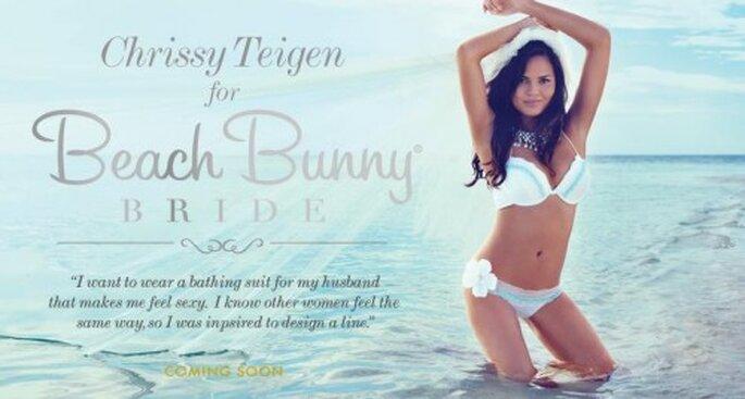 Chrissy Teigen diseñó la colección de trajes de baño para novia de Beach Bunny Swimwear