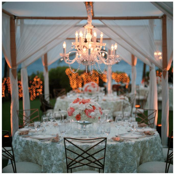 Decoración de boda con elegantes candelabros - Foto Amity Mason Photography