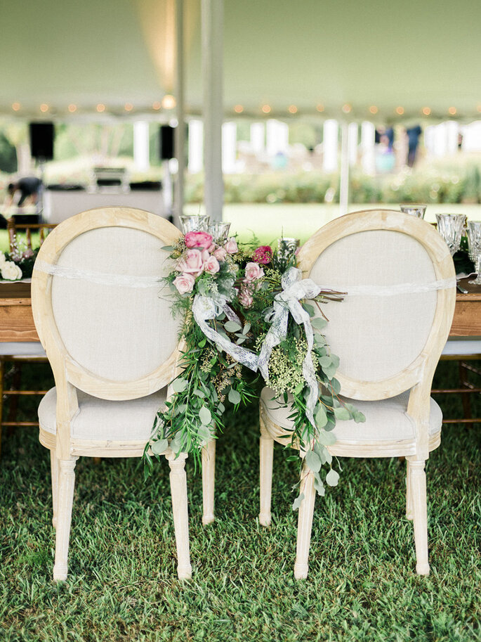 Originales ideas para decorar sillas - Krista A. Jones