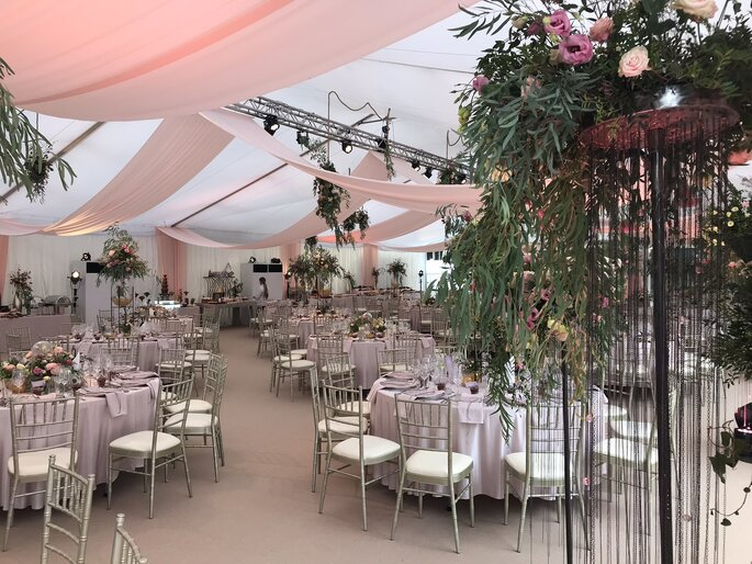 Jak zorganizować ślub i wesele w plenerze?