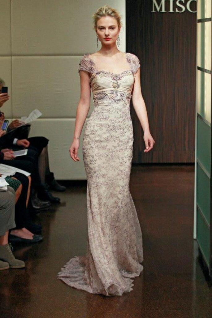 Vestido de novia otoño 2013 con brocados en el textil - Foto Badgley Mischka