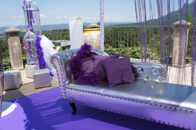 Une décoration de mariage couleur violette, quoi de plus chic ? - Photo : One Day Event