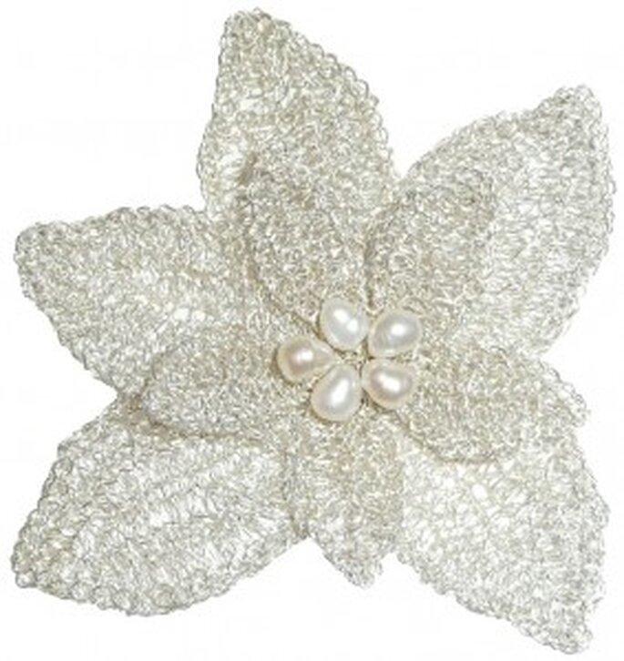 Accessoires pour coiffures de mariée Rosa Clará 2011 : fleur