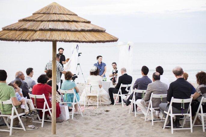 Matrimonio On Spiaggia : Sapore di sale sapore di mare: il romantico matrimonio in spiaggia