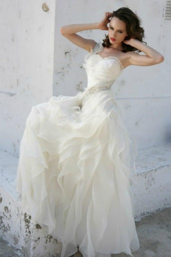 Vestido de novia 2012 de gasa, con tirante a un hombro.
