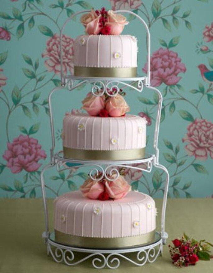 Unsere Nummer 4: Paris-chic Wedding Cake - Foto: www.maisiefantaisie.co.uk