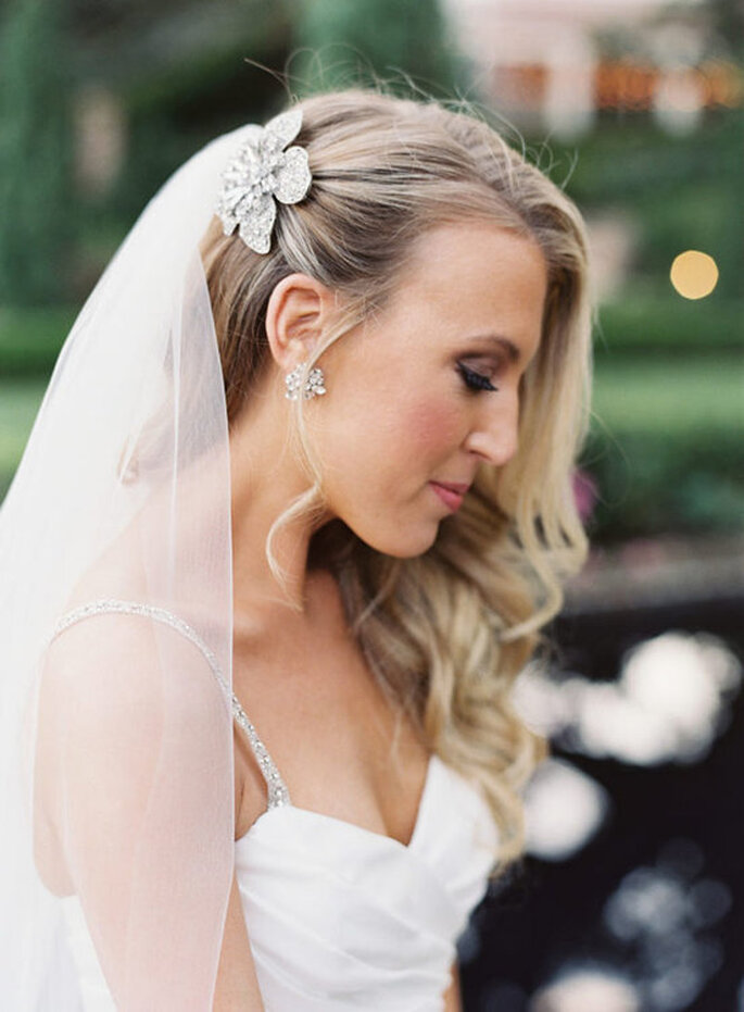 Cómo elegir el tocado de novia