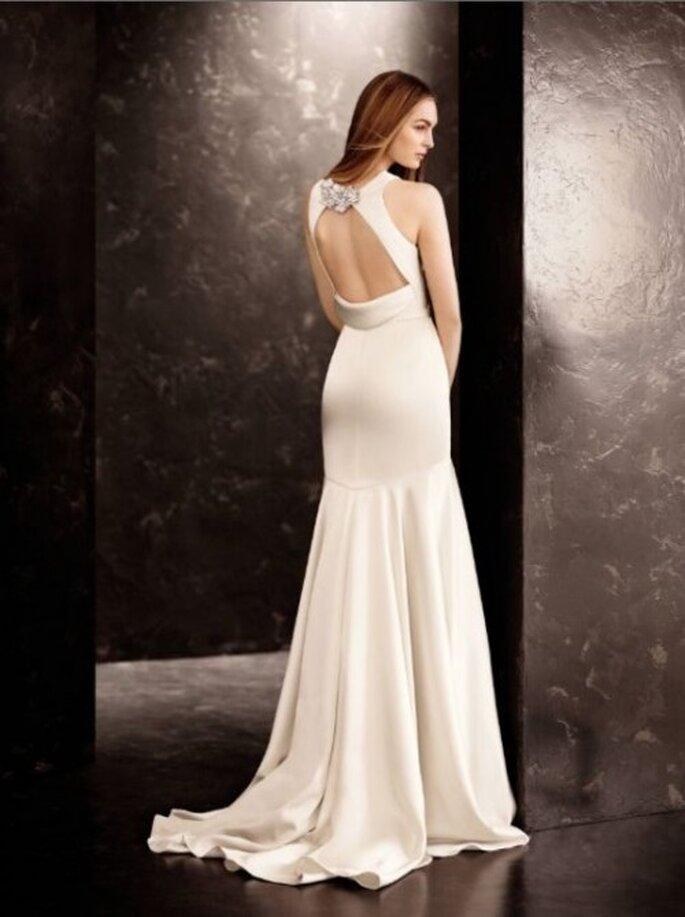 Vestido de novia con la espalda abierta diseñado por Vera Wang - Foto David's Bridal