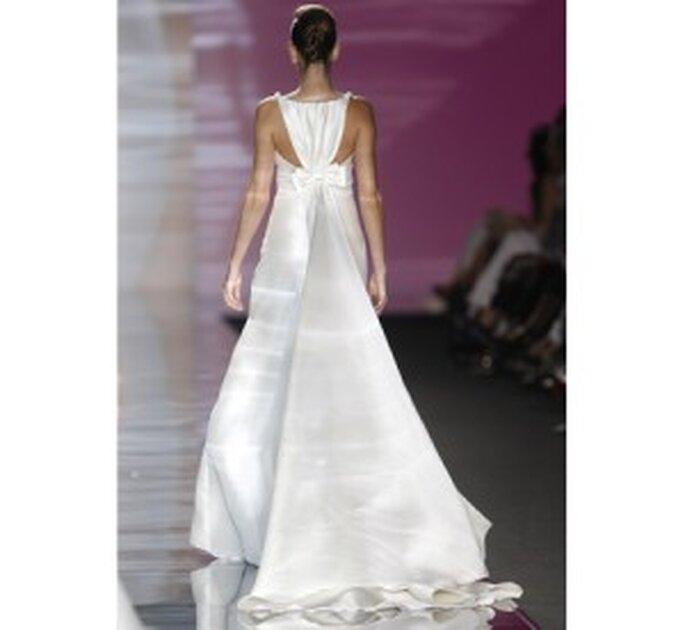Brautkleid von Manuel Mota für Wassermann-Bräute