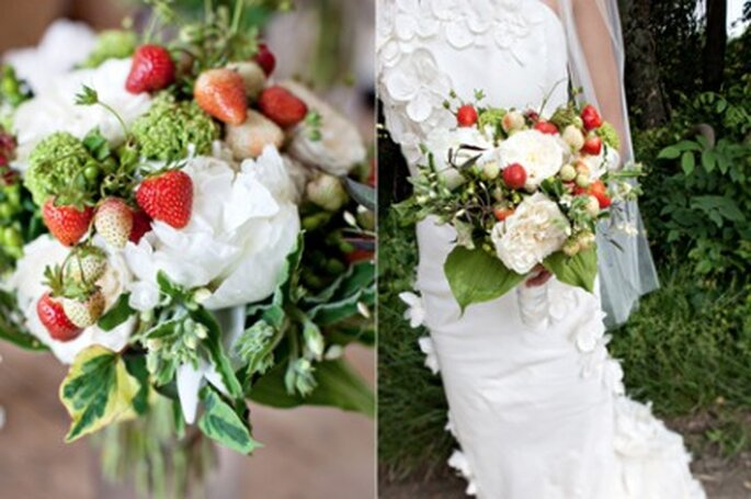 Bouquet de mariée avec des fraises - Katie Stoops