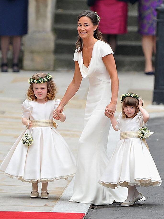 Pippa Middleton portait une robe dessinée par Sarah Burton