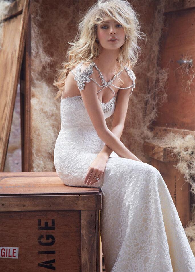 Vestido de novia con lindas joyas incorporadas - Foto Hayley Paige